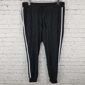 DEREK HEART   two-stripe pocket jogger sweat pants